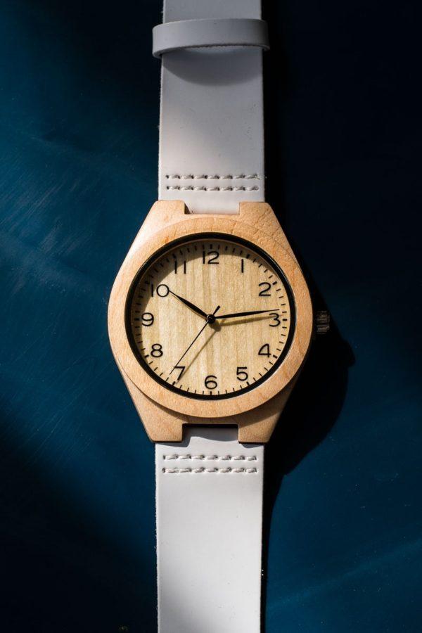 Ρολόι Χειρός Ξύλινο με Άσπρο Λουράκι