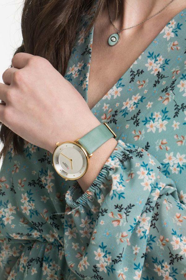 Ρολόι Χειρός Γυναικείο Άσπρο με Γαλάζιο Λουράκι