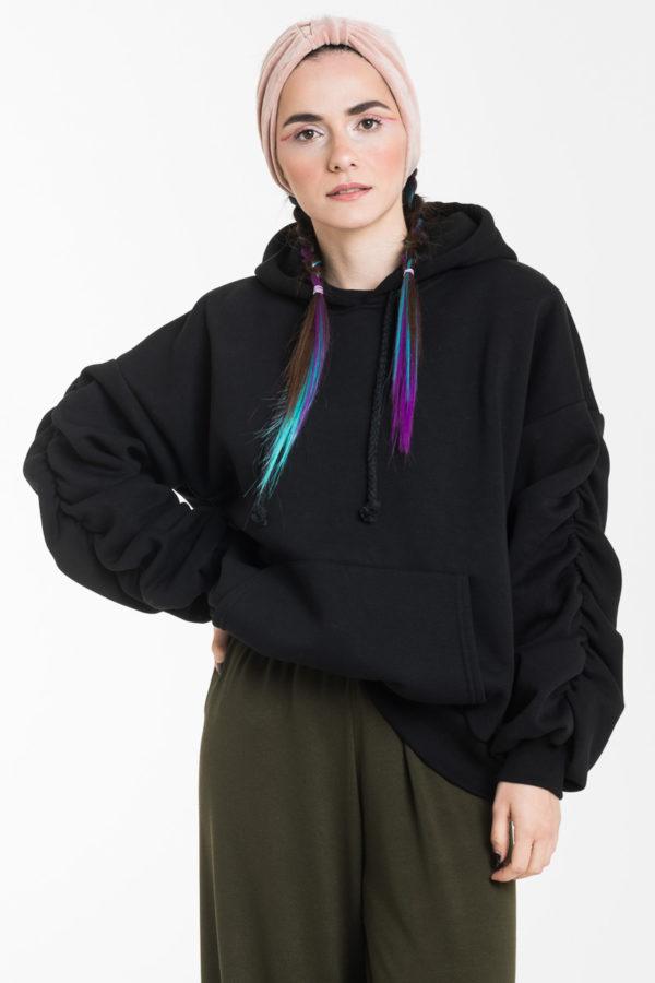 Μαύρη Oversized Μπλούζα Φούτερ με Σούρα Μανίκι & Κουκούλα